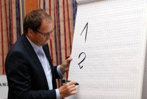 Gerd Guessler Fachvortrag Flipchart